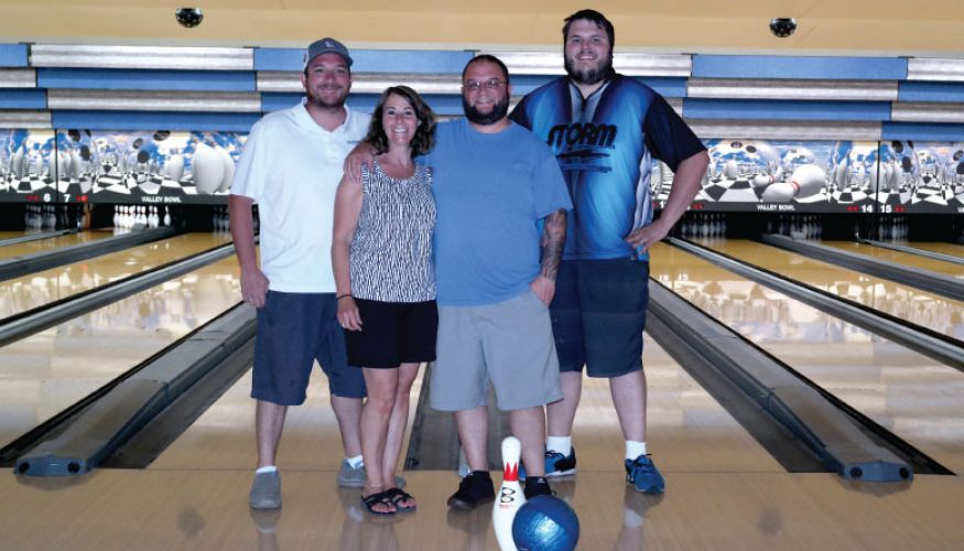 ValleyBowlBowlingAlley Staff ManagementTeam1